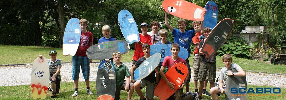 Jongeren maken hun eigen composite skimboard met corecork